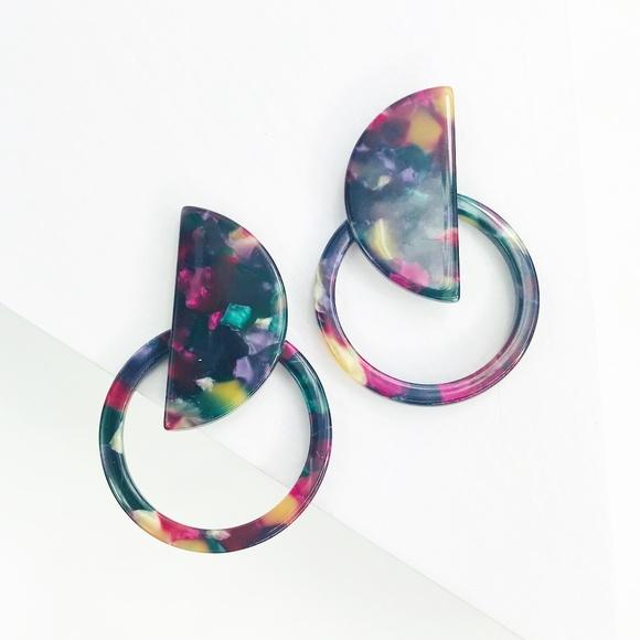 CLOSET REHAB Jewelry - Circle the Moon Stud Earrings in Purple